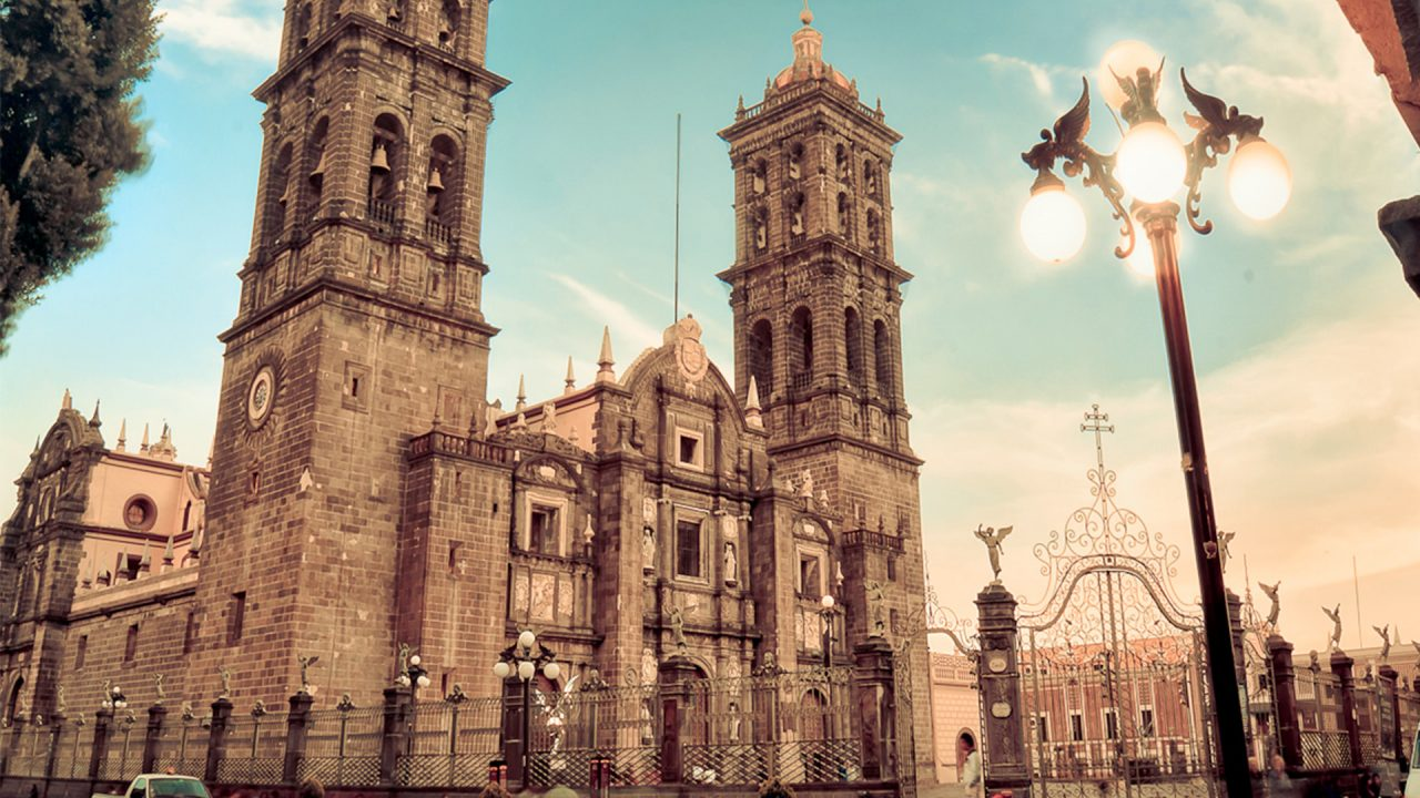 https://acnweb.com.mx/wp-content/uploads/2021/01/Catedral-Puebla-1280x720.jpg